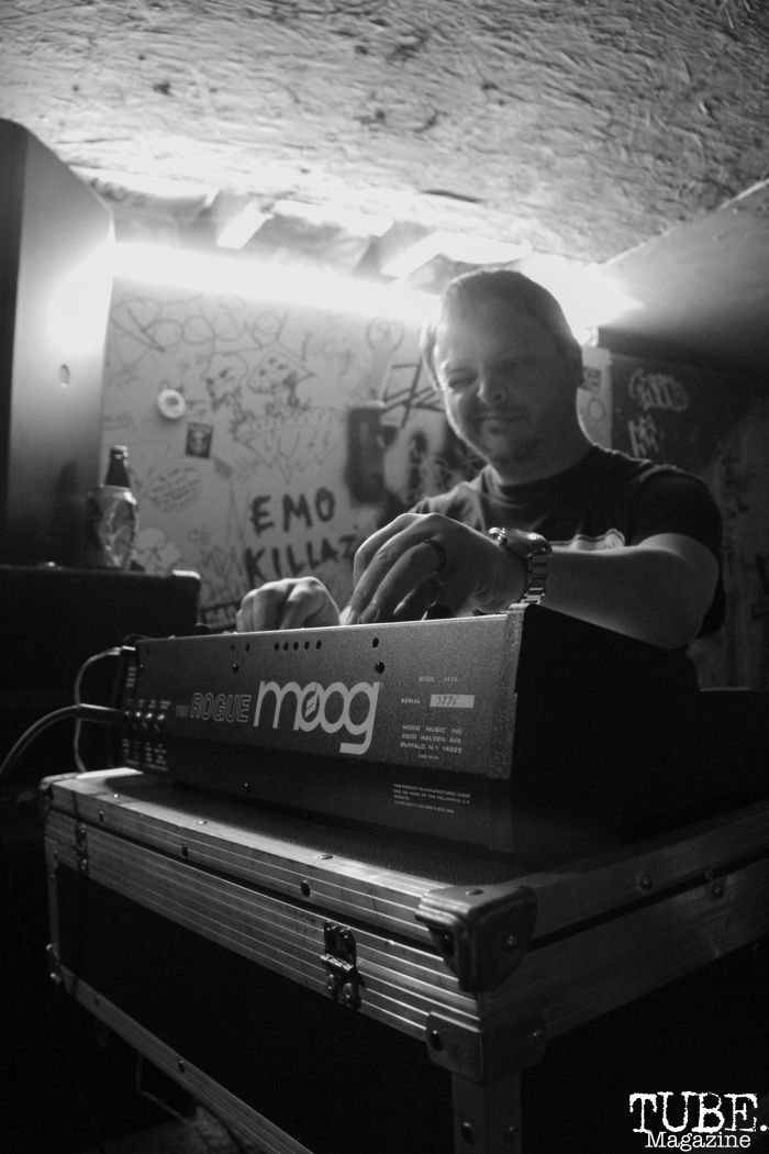 Andrew Wayne playing MOOG Rogue during the Instagon set at the last Casa De Chaos show, 2017